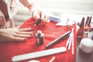 zakupy, lakiery, paznokcie hybrydowe