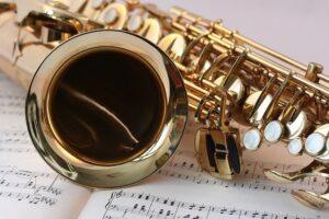 zakupy, saksofon
